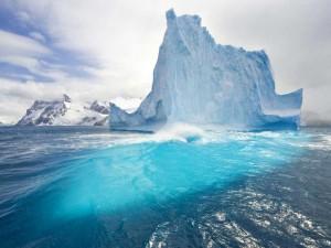 Тема Giant Icebergs для Windows 7